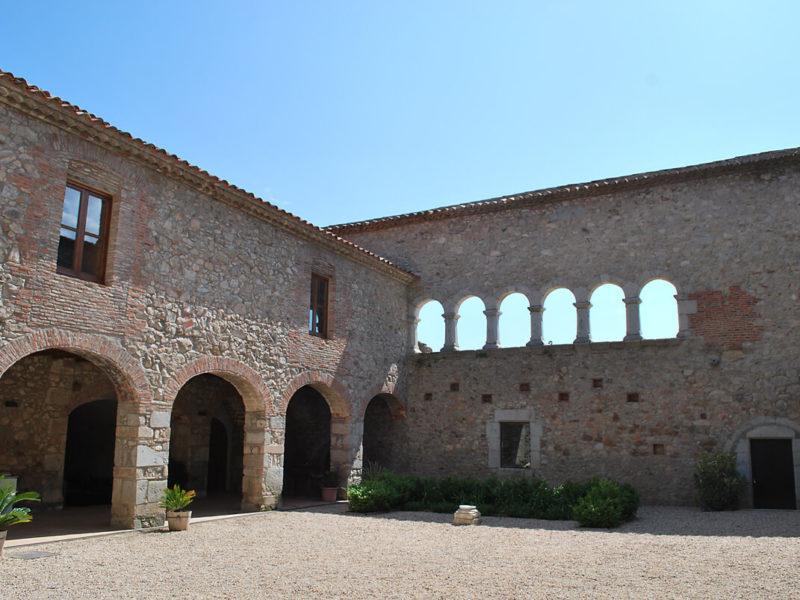 Усадьба - монастырь